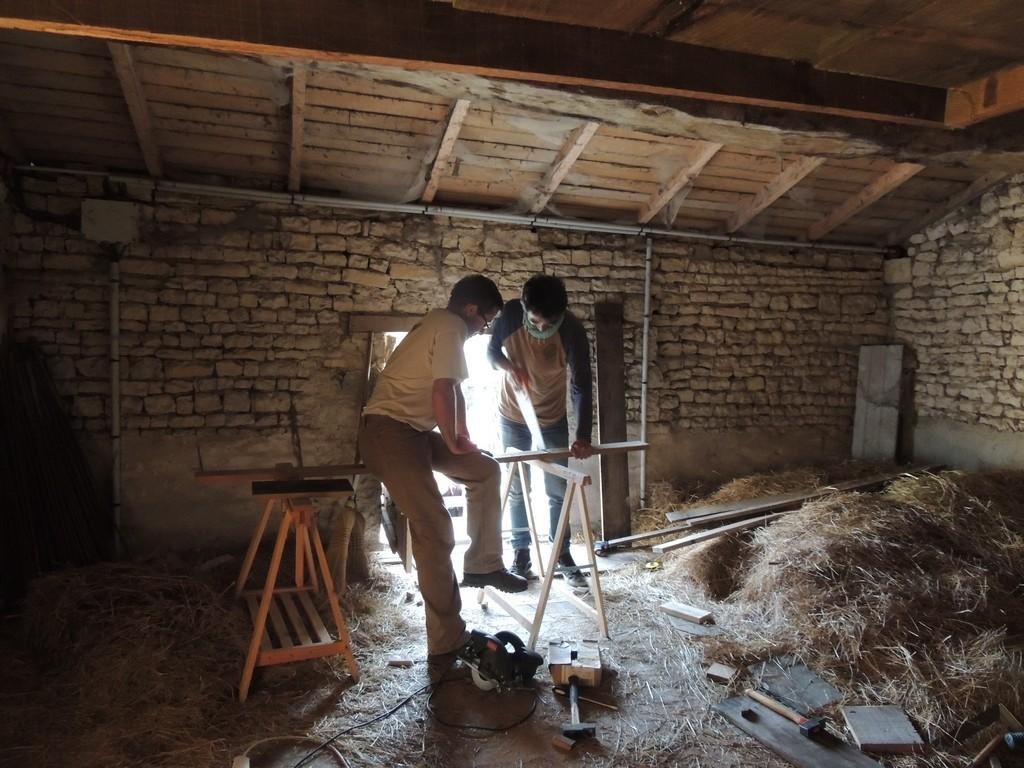 chantier d'installation de gîtes à chauve souris